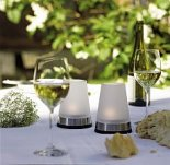 świeczki yankee candle na stole