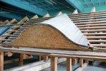 Na takim dachu uczestnicy szkolenia ćwiczyli wykonanie wolego oka dachówkami ceramicznymi Röben